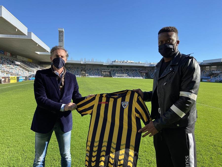 Imagen de esta misma mañana de nuestro Director Deportivo A. Larrazabal con Dimitry.